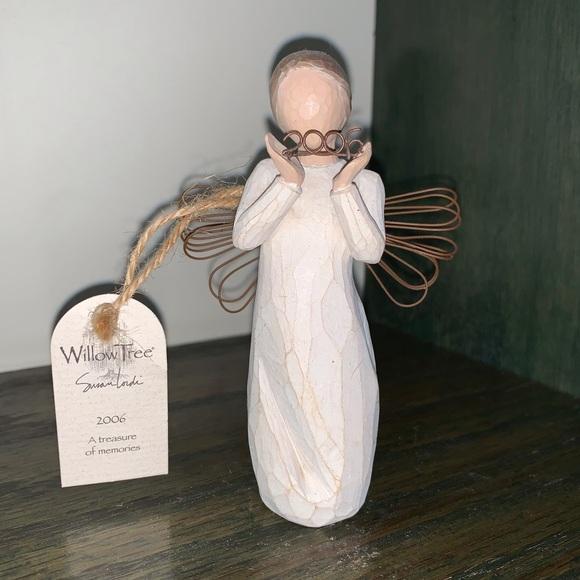 Willow Tree Angel 2006 Ornament